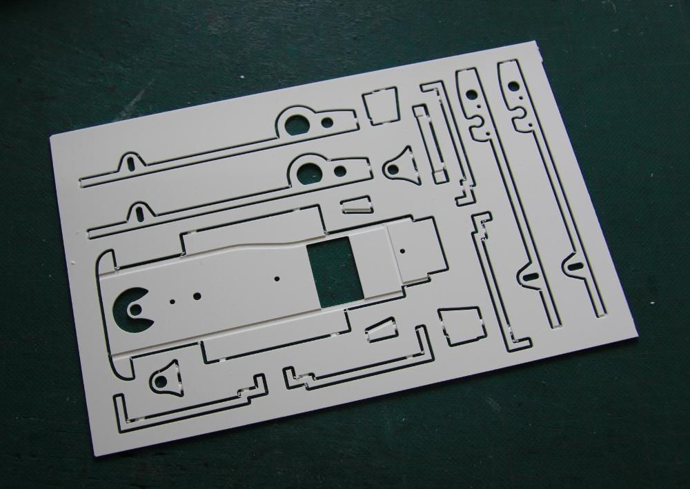 mf-motorsport-decoration-circuit-slot-car-aston-martin-v8-rham